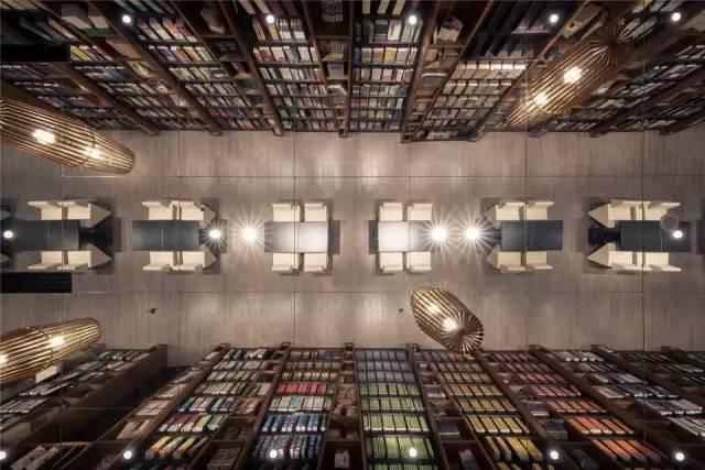 这个新华书店跟我印象中的不太一样图片