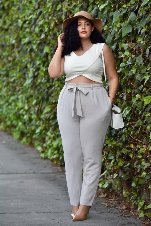 这个女人140多斤,却穿得比瘦子还美!图片