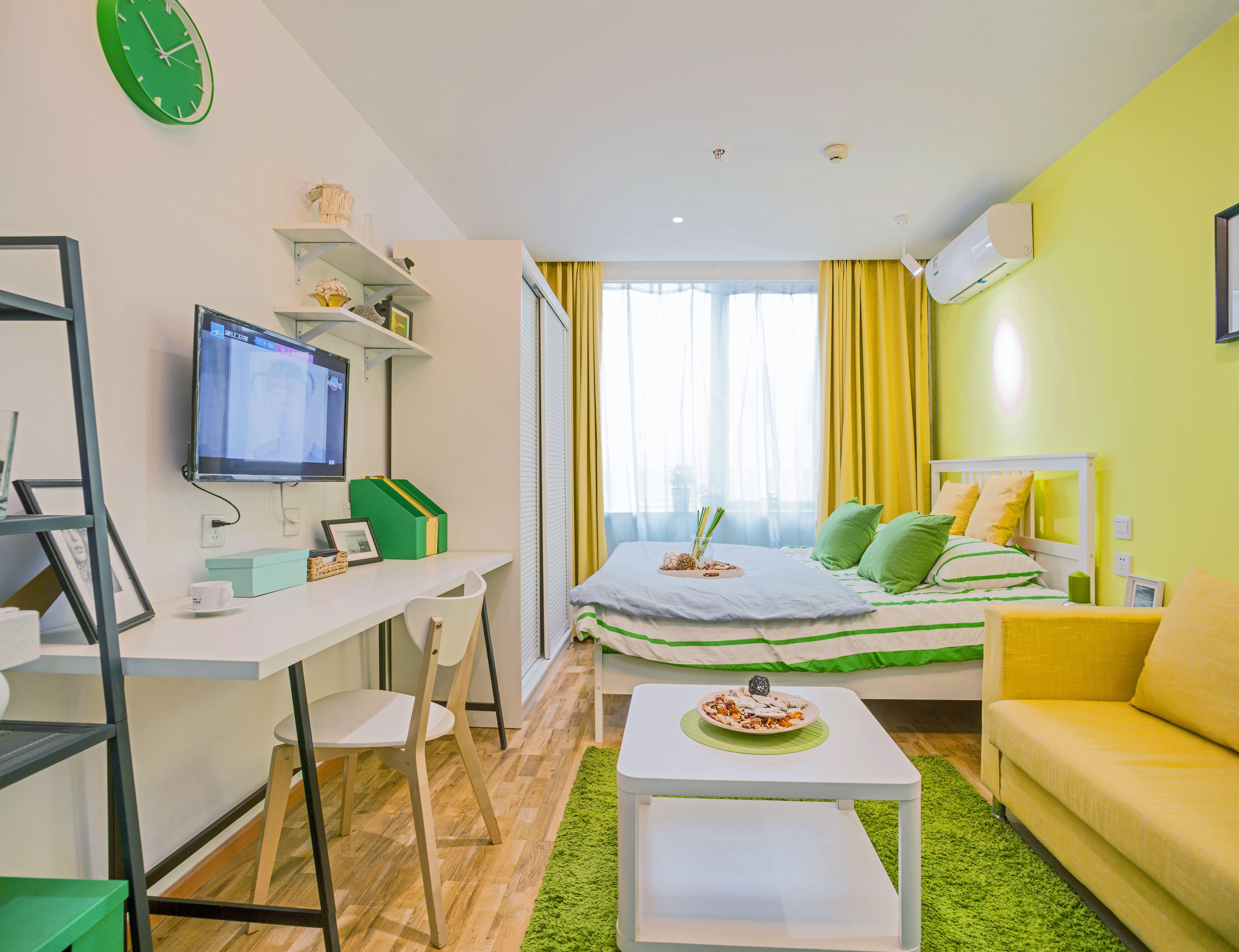 乐乎公寓又称乐乎城市青年社区, 对租客霸王条