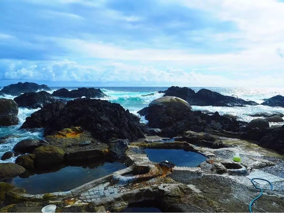 屋久岛上有不少温泉,最特别的是海中温泉——