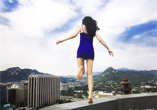 男友疑出轨贵州女子挽回不成欲跳楼轻生!