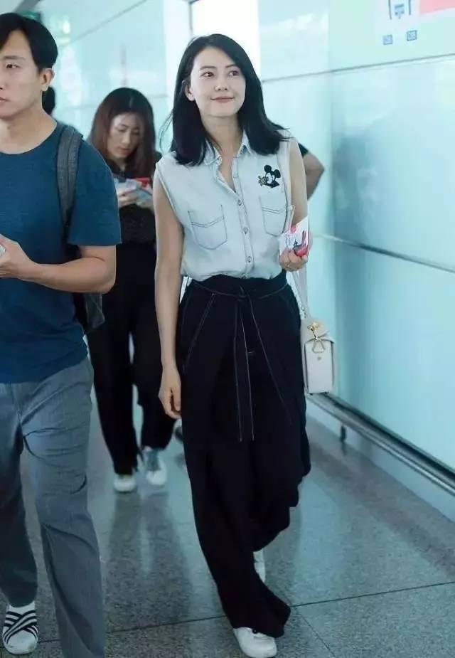 宋茜,杨幂,高圆圆也同样很喜欢穿拖地裤!