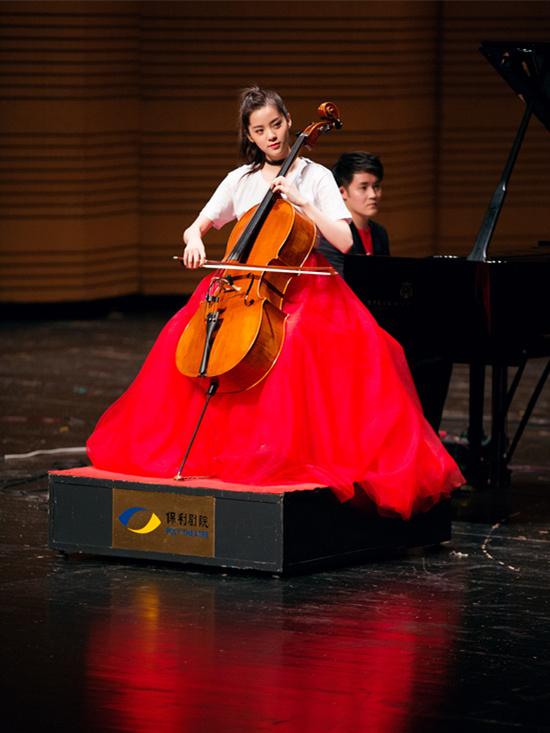 还有这种玩法 欧阳娜娜现代古典乐玩跨界