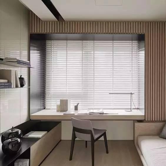 要是小房型又想要书房,飘窗自然是不二之选,直接加宽秒变书桌.图片