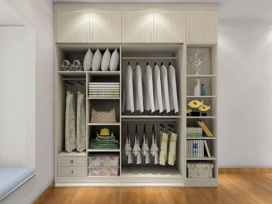 卧室衣柜小知识分享,衣柜并非越大越好,要看给谁用