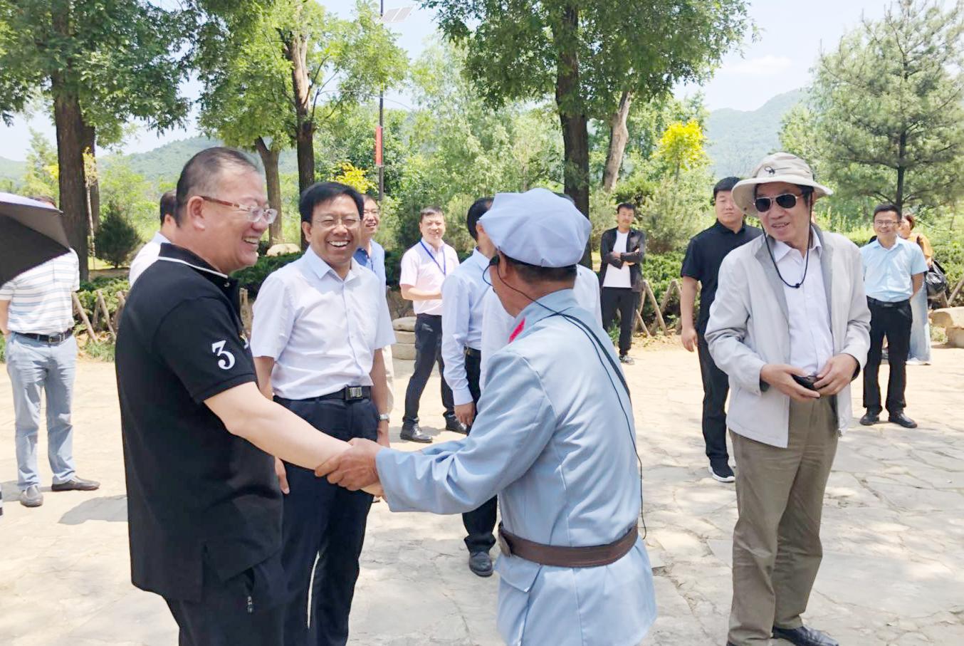 环城旅游总经理陈强应邀出席照金红色旅游创新发展战略研讨会并发表