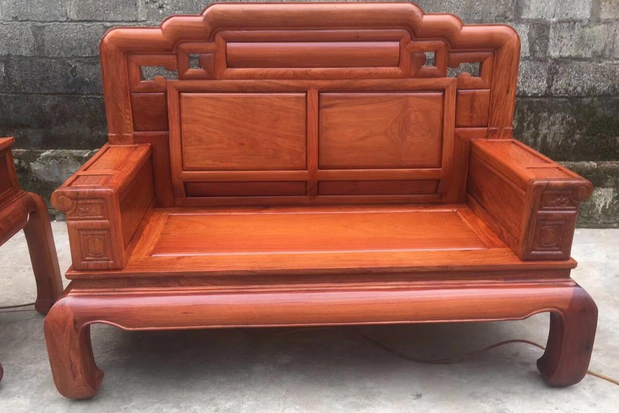 选一套好的款式红木沙发真不容易图片