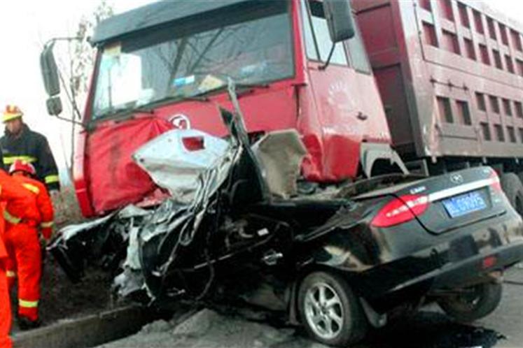 惨烈车祸|看完这篇文章你就知道为什么要远离大货车